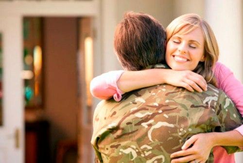 Счастливая семья военного