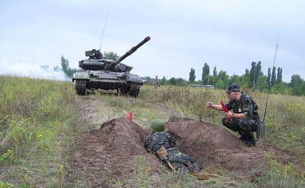 Учения с военной техникой