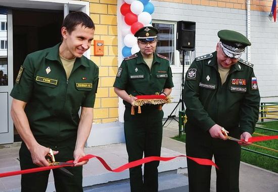 Сдача нового жилья для военных