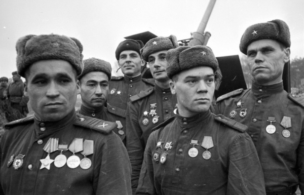 Зенитчики красной армии