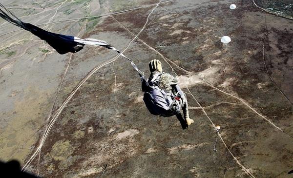 Стабилизирующий парашют и раскрытие основного