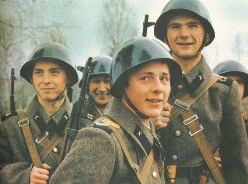 Солдаты армии СССР