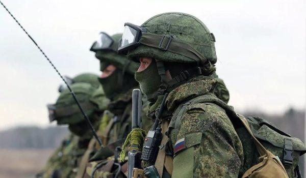 Военные в полном обмундировании