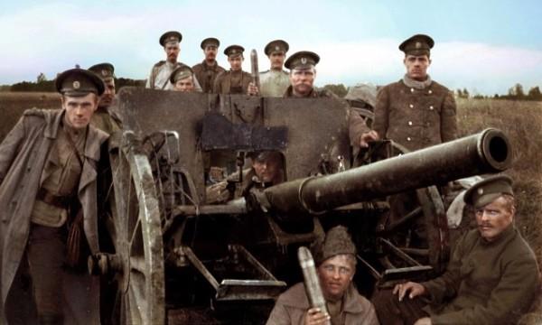 Солдаты у пушки