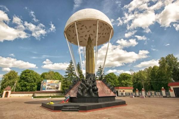 Памятник во Пскове