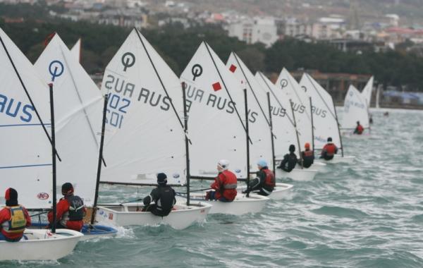 Соревнования яхтсменов